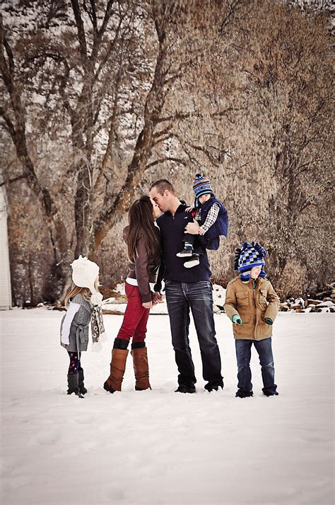 Pin by Anelise Judd on Anelise Photography | Winter family