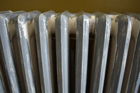 Painting A Cast Iron Radiator With Oil-Based Paints   merrypad