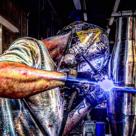 Thought this was a cool capture   Welding art, Welding and