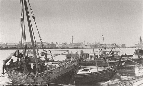Beautiful Pictures of Dubai Before Oil in the 1950s-1960s