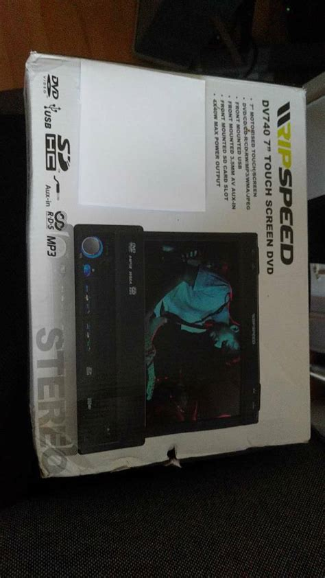 """Ripspeed DV740 7"""" Flip Out Touchscreen Single Din Stereo"""