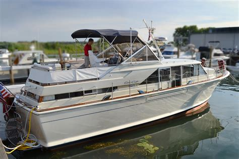"""""""42 Reasons"""" – A 1967 Chris-Craft Commander Living The"""