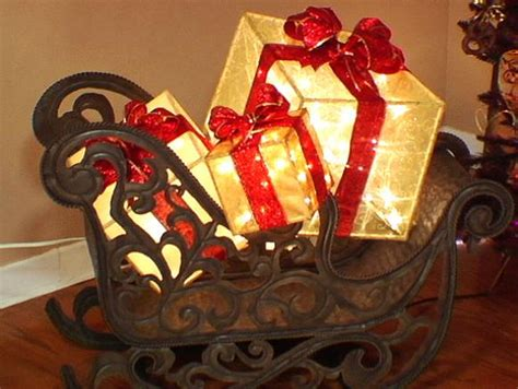 Create a Lighted Holiday Gift Box | HGTV