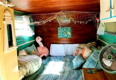 Can you say cozy? I can! | Bed, Turtle shack, Beach shack