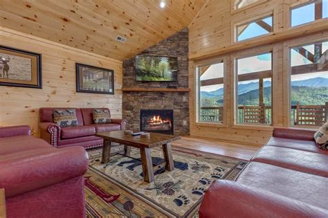 All About The View Cabin in Gatlinburg w/ 6 BR (Sleeps12)